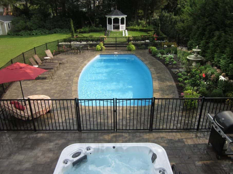16 x 32 fiberglass pool with full length steps for 16x32 pool design