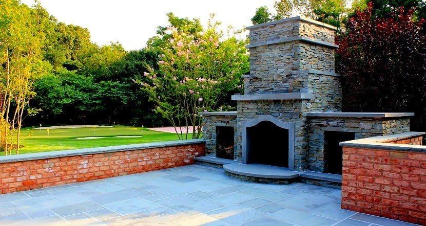 stacked-bluestone-fireplace