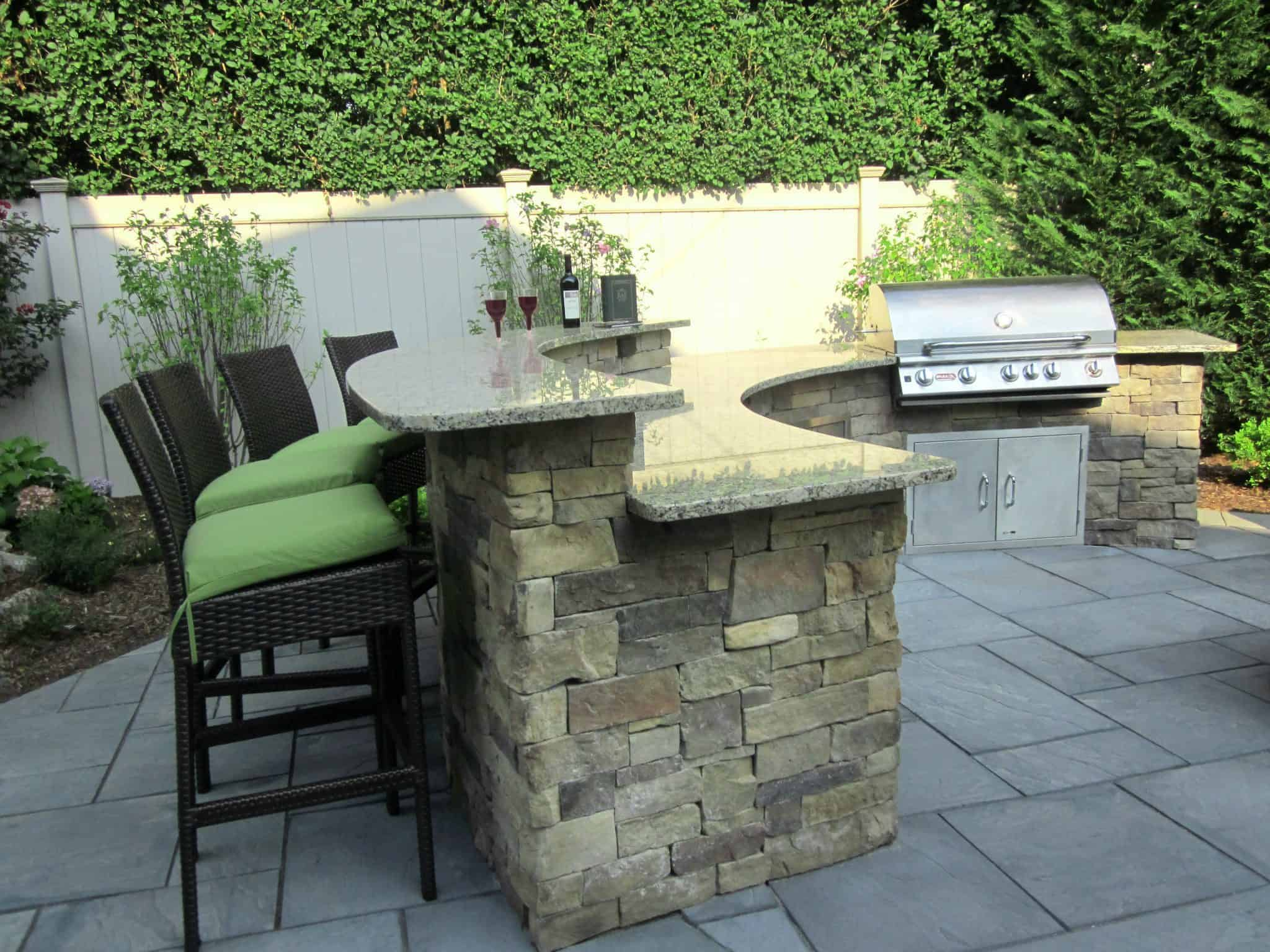 Outdoor kitchens bars outdoor bars long island for Outdoor kitchen bar plans