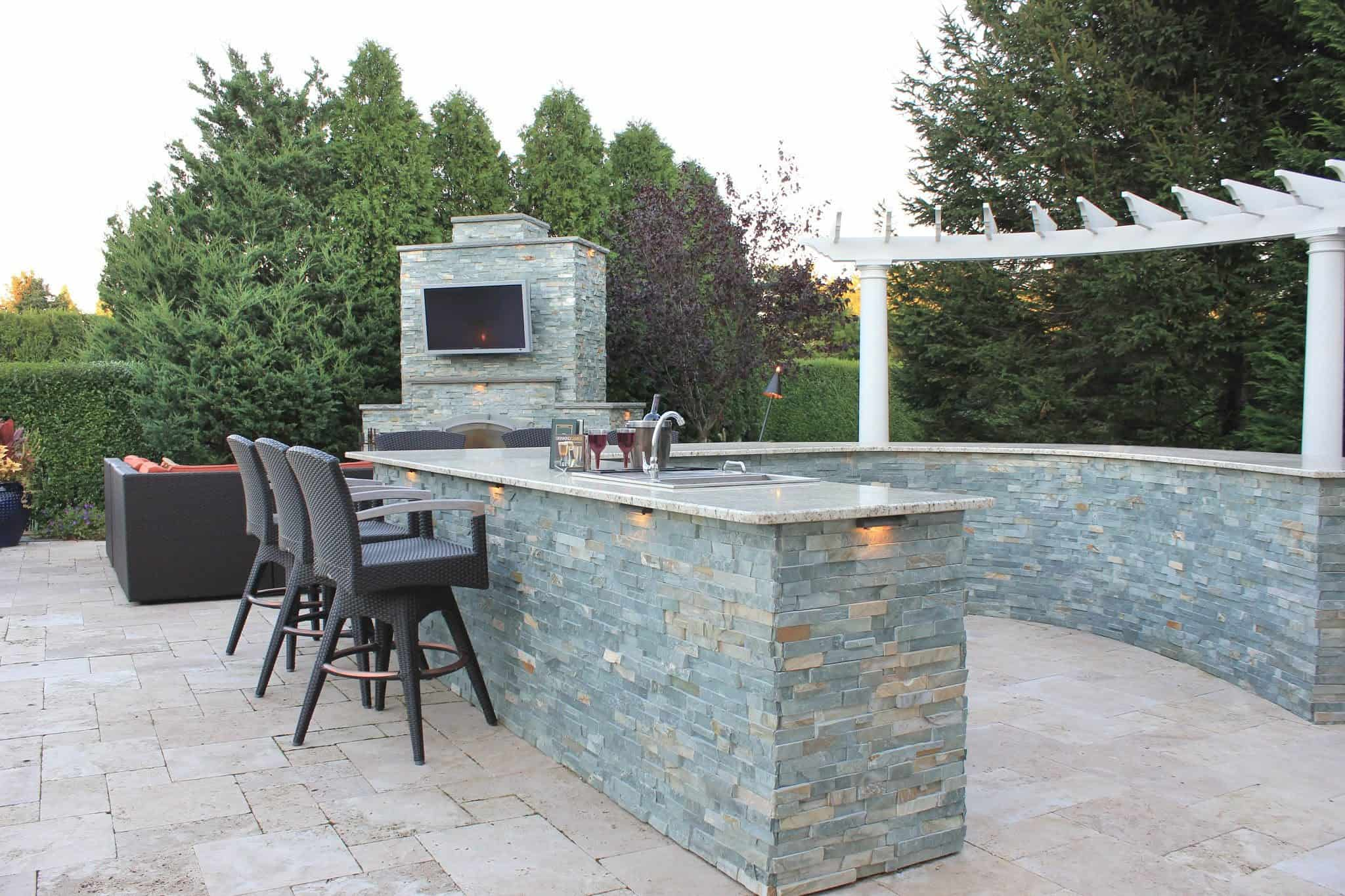 Outdoor Bar and Fireplace veneered in East West Stone - Bayside Waters - Southampton, Long Island NY