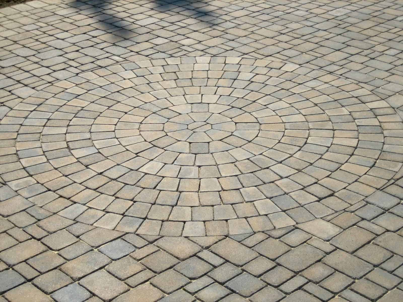 Paver Driveway - Cambridge - Tumbled Circle Design Kit – Renaissance Collection - Color - Toffee/Onyx - Jericho, Long Island