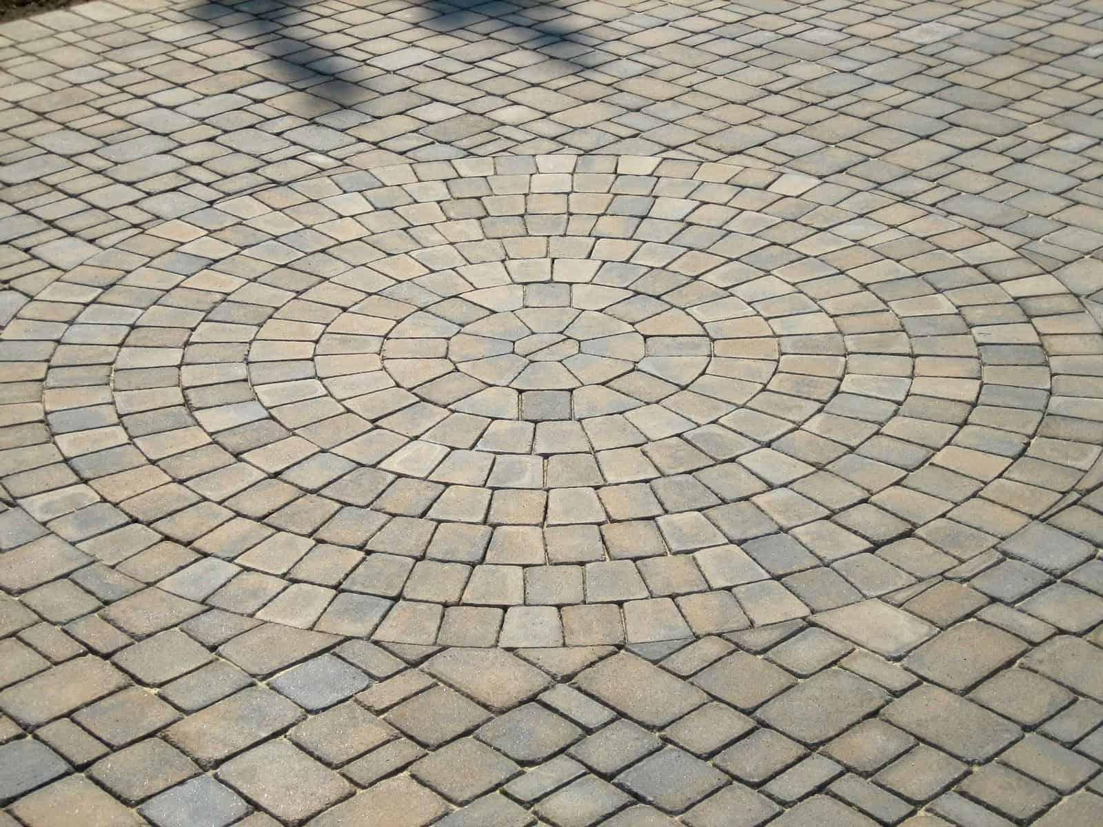 Paver Driveway - Cambridge - Tumbled Circle Design Kit – Renaissance Collection - Color - Toffee/Onyx - Jericho, Long Island