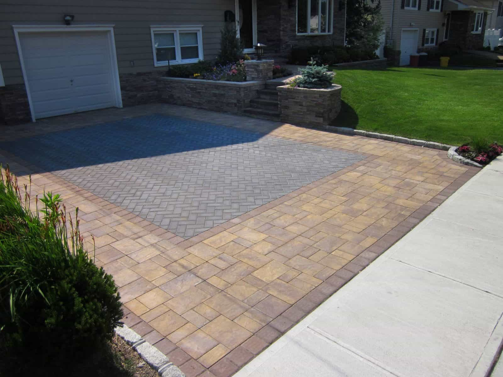 Paver Driveway - Cambridge Ledgestone Paver Driveway- Sahara/Chestnut - Random Pattern with Cambridge - Kings Court Collection - Onyx - Herringbone Pattern inlay - Massapequa, Long Island NY