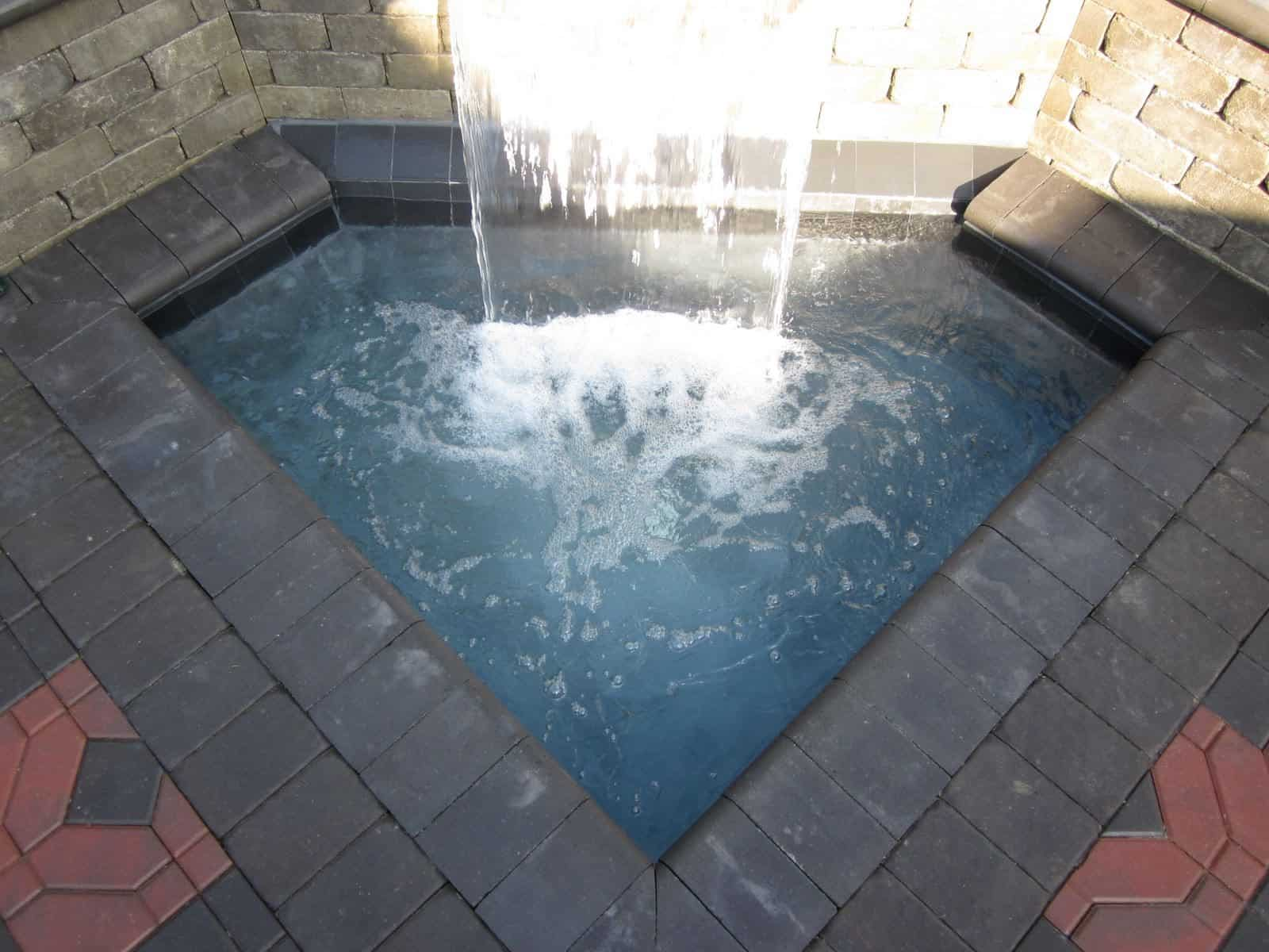 Gunite pool with 2' Sheer Descent - Dix Hills, Long Island NY