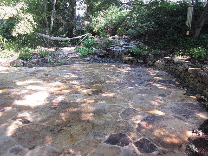 Natural Stone Patio - Irregular South Bay Quartzite Flagstone Patio with joints - Port Washington, Long Island NY