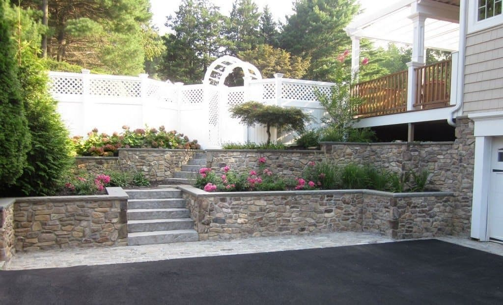Natural Thin Stone Veneer - PA Ledgestone Retaining Wall with Rock Faced Bluestone Cap - Glen Cove, Long Island NY
