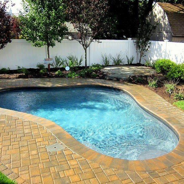 14 x 16 ft. Custom Free-Form Gunite Pool