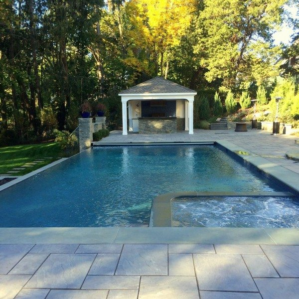 Green Island Design's Signature Gunite Pools