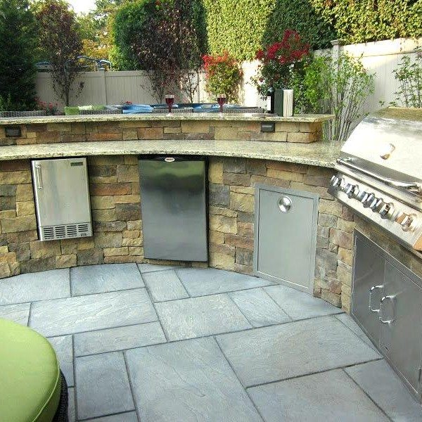Custom Bi-Level Radial Outdoor Kitchen-Bar