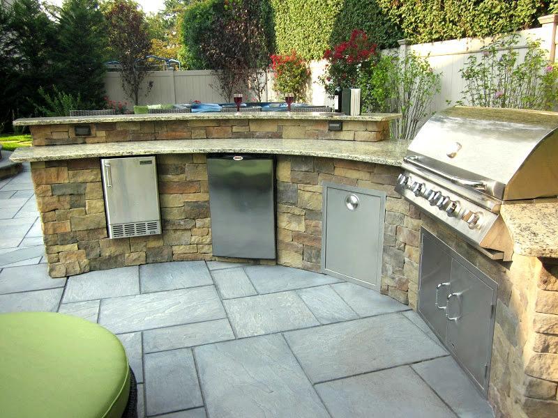 Custom Bi Level Radial Outdoor Kitchen Bar