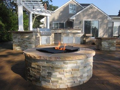Outdoor fire pits for your Long Island home: