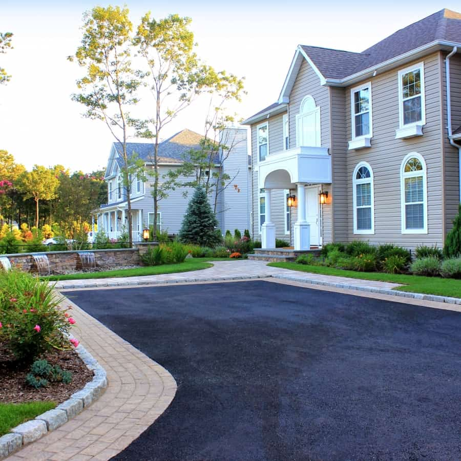 Parking Spur with Cambridge Paver Inlays and Belgium Block – Center Moriches, NY