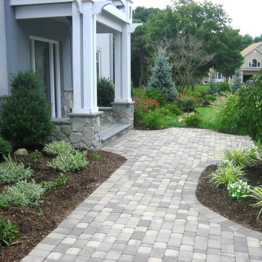 Paver Walkway - Nicolock - Roma I & Roma II Paver Walkway - Granite City - Random Pattern - Dix HIlls, Long Island NY
