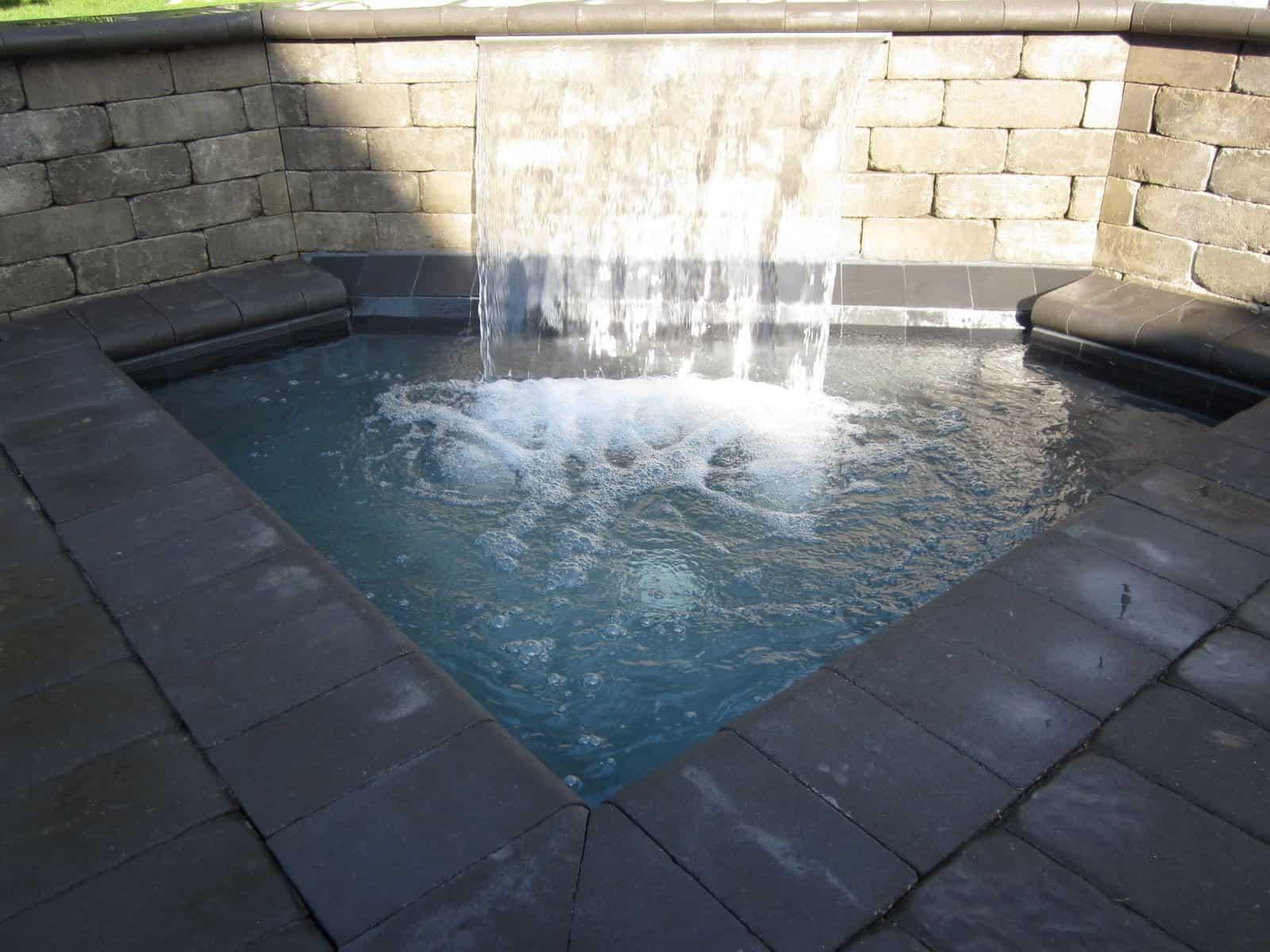 Gunite pool with 2' Sheer Descent - Dix Hills, Long Island NY