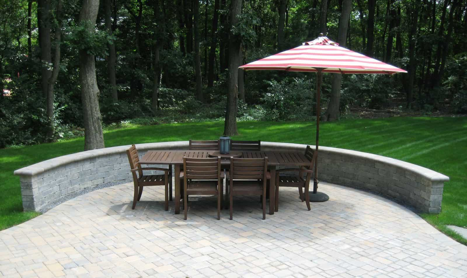 Paver Patio - Cambridge Ledgestone-Toffee/Onyx Paver Patio- Random Pattern with Unilock Brussells Seat Wall - Dix Hills, Long Island NY