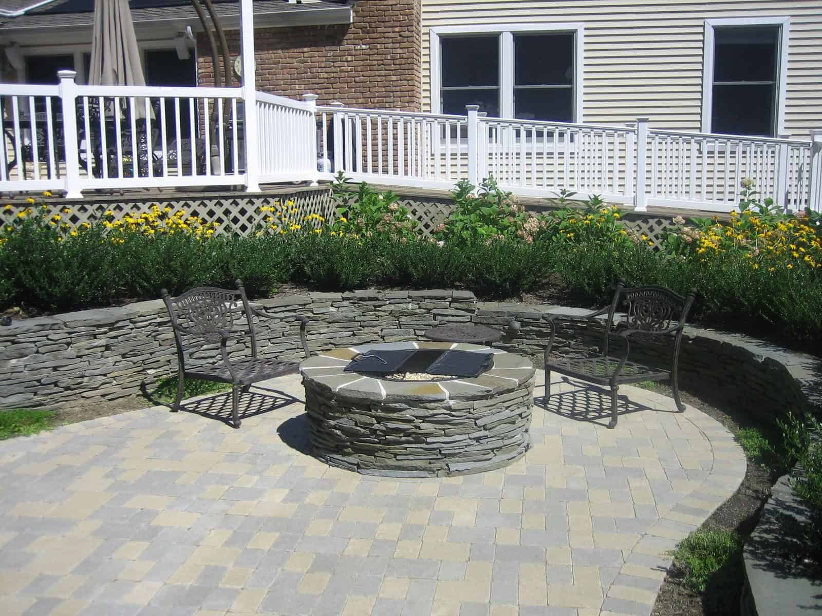 New York State stacked bluestone fire pit with fire retardant insert and grills - Dix Hills, Long Island NY